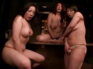 3 Japanese Lesbian Milfs pt 1