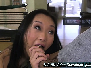 Alina Li Spread out Cute Face Dish out Vocation