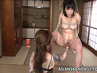 Asian vassalage babe is fisted