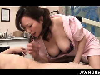 Nasty trouble oneself playing floozy with the brush patient in asian sex video