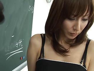 Japanese woman swallows 18