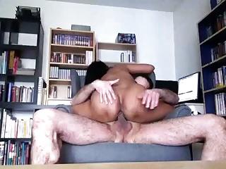 Mature Thai Woman spur