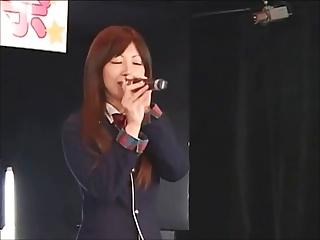 Japanese pop singer fucks the brush audience (part 2)