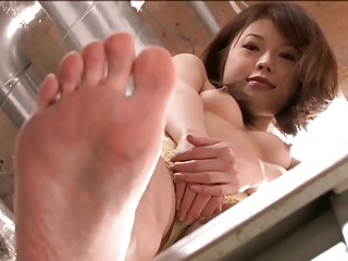 Japanese Girls Together with Their Feet Part 2