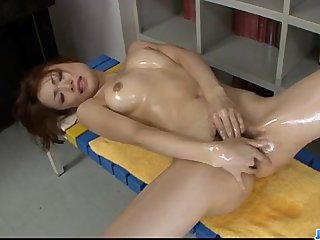 Wet solo with superb Japan model Sara Seori