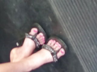 Candid Sexy Asian MILF's Feet
