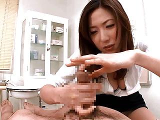 Doctor grommet peehole