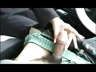 japanese girl blowjob wide the car
