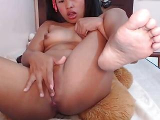 Nice asian sweeping masturbating with vibrating dildo