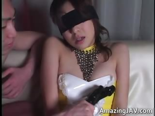 Blindfolded asian babe gets fucked