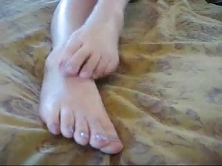 Anyone know her name? (Feet JOI)