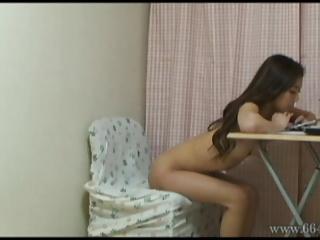 Vertu the private life of Japanese pornstar HitomiMadoka.