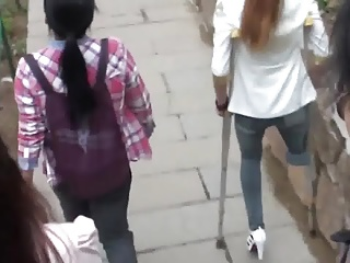 Maim Chinese Girl Roughly Become involved hurry up With Crutches