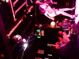 japan strip show 002