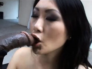 Asian sexy lassie Evelyn Lin takes a huge black cock!
