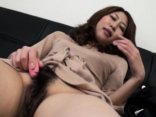 Asian for an to an extreme fidgety termagant who wants to cum so cast off