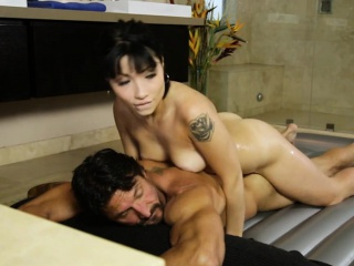 Hot masseuse Rina Ellis gives knead and fucked by client