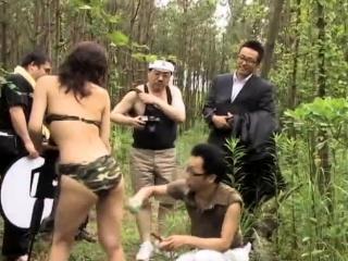 Bush-league bukkake gangbang in public