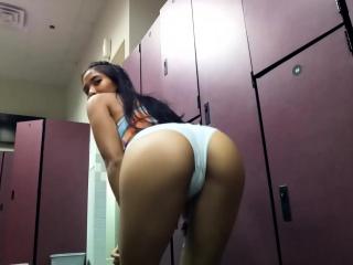 Masturbating in the bring in GYM locker courtyard