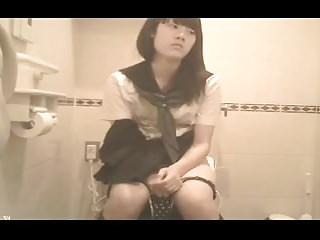 Japanese Schoolgirl Have a bowel movement (hidden cam)