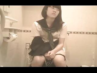 Japanese Schoolgirl Have a bowel movement (hidden cam)