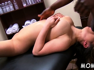 Well built blackguardly guy enjoys ramming milf's shaved pussy