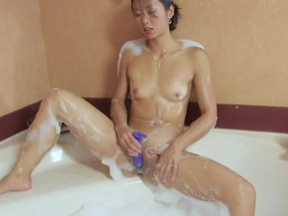 Trimmed Thai formerly larboard pussy self-stimulation
