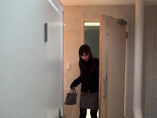 Asian hotties pee above cam