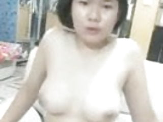 Thai Teen nude and masturbate on high phone conversation