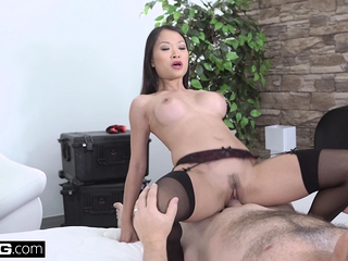 Well done Asian Pussykat gets out of bear up by fucking rub-down the police officer