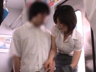 Oddball girlfriend Nanako Mori blows in the mood for a champ