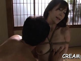 Alien mature Reiko Sawamura's vagina wants sex