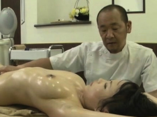 Oriental playgirl with big tits gives a sizzling oral sex