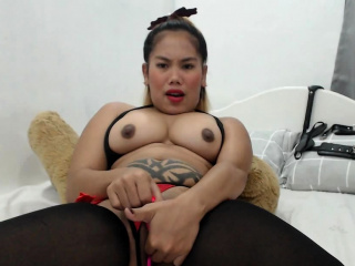 Solo asian toys herself and buffers inch by inch