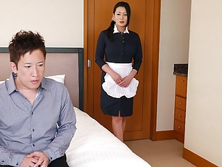 Japanese maid, Rei Kitajima is going to bed a randy client, uncen