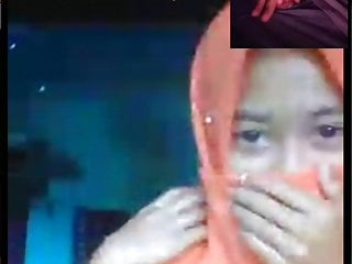 Dick Trace to Hijab jilbab dame at webcam
