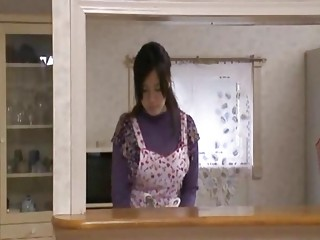 Japaness Housewife Is Overhead
