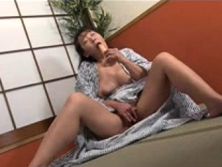 Hairy mature mom loves toying their way tight