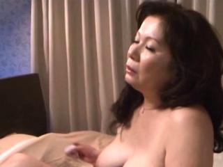 Aged slut has a coarse fuck