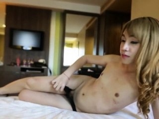 Shlong handles a cunning oriental transsexual