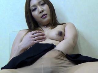 Skinny asian fingerfucks the brush hairy pussy