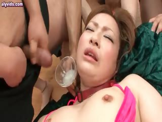 Asian cutie gets rubbed in party up