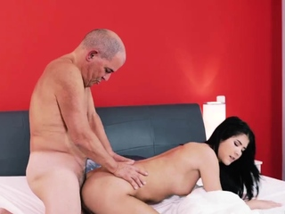 Dad cums in girl waggish time Older gentleman and his prin