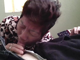 Chinese Granny Gives Enjoyable Head 2