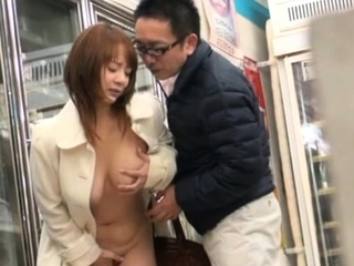 Slutty eastern maid Tsubasa Arai craves be incumbent on fuck