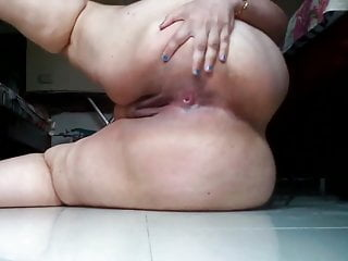 Indian BBW MILF shows all