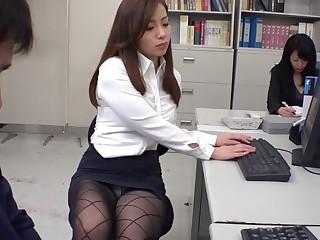 Unfamiliar Japanese model Remi Sasaki, Ren Ayase, Miyuki Ojima, Hikaru Shiina nearly Hottest secretary, couple JAV clip