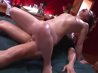 Thuoc kich dục va chich nhu dien (Massage and aphrodisiac.)