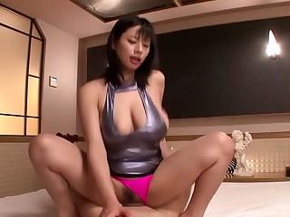 Roasting Japanese model Hana Haruna in Exotic JAV banned Swallow, Hairy scene