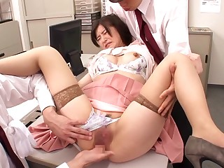 Saya Niiyama in Office Nipper Train part 2.1